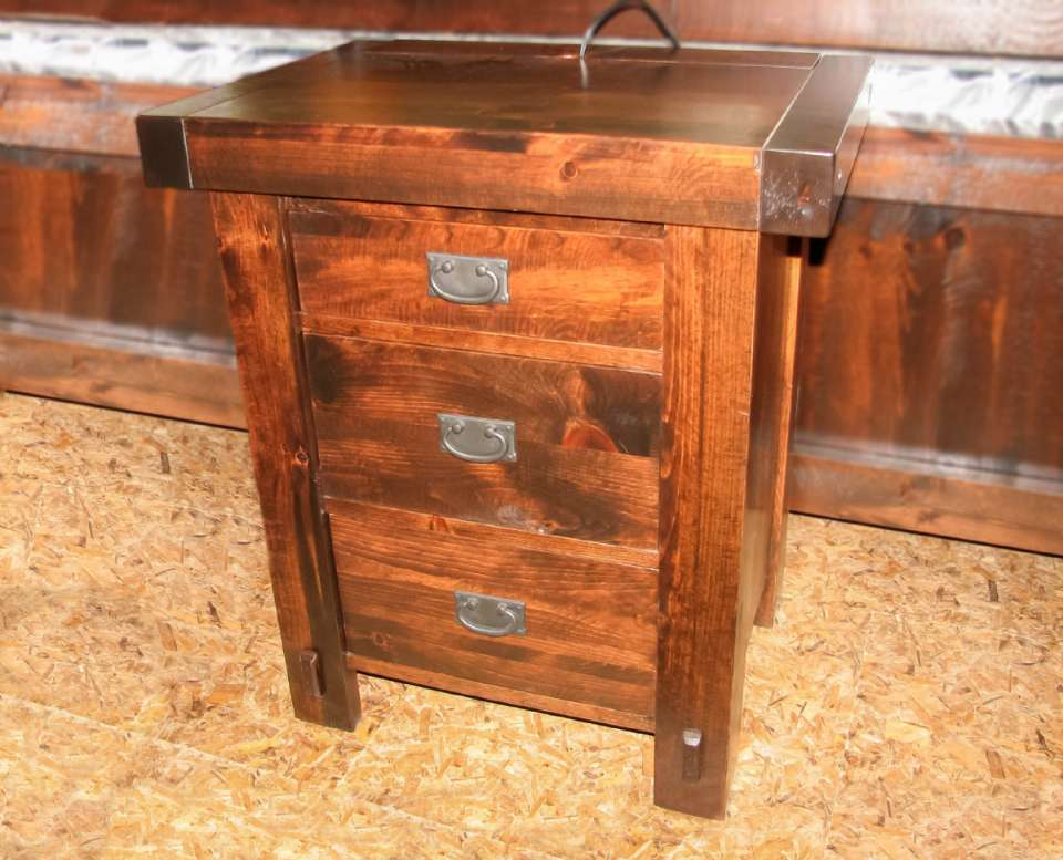 Pine Timber Yukon 3 Drawer Night Stand